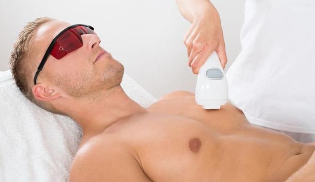 Körperpflege beim Mann - die Brustbehaarung