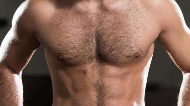Pflege der Brust beim Mann